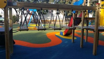 Parque infantil en Villanueva de los Castillejos
