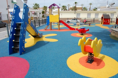Parque infantil en Palos de la Frontera